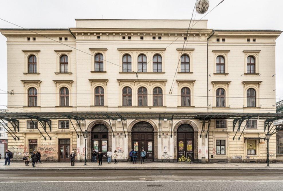 čelní pohled z ulice Havlíčkova